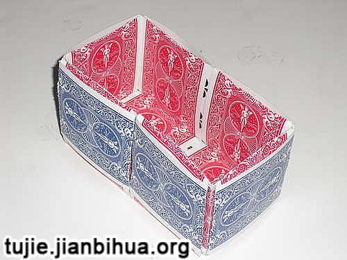 旧扑克制作收纳盒方法图解