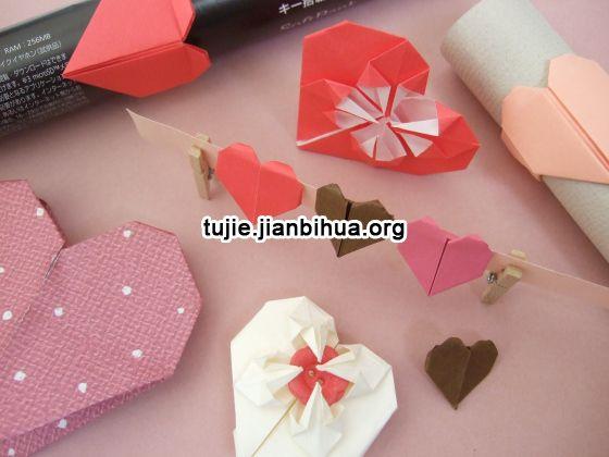 一,围巾心形织法 职场女性丝巾的选择与搭配注意事项,丝巾搭配的合理图片